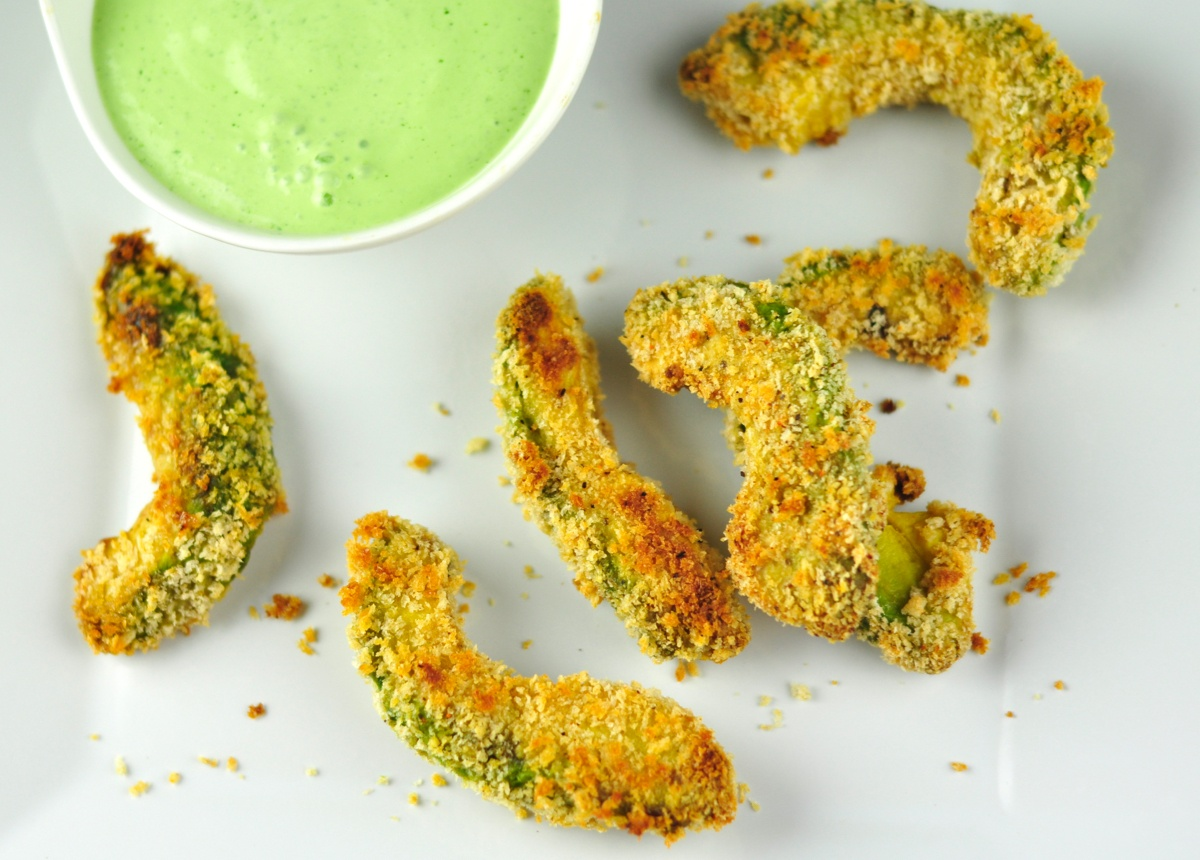Avocado Fries Is An Easy And Healthy Snack Tastes Crispy On The Outside And  Soft Inside. Sliced Avocado Coated With Bread Crumbs And Baked.