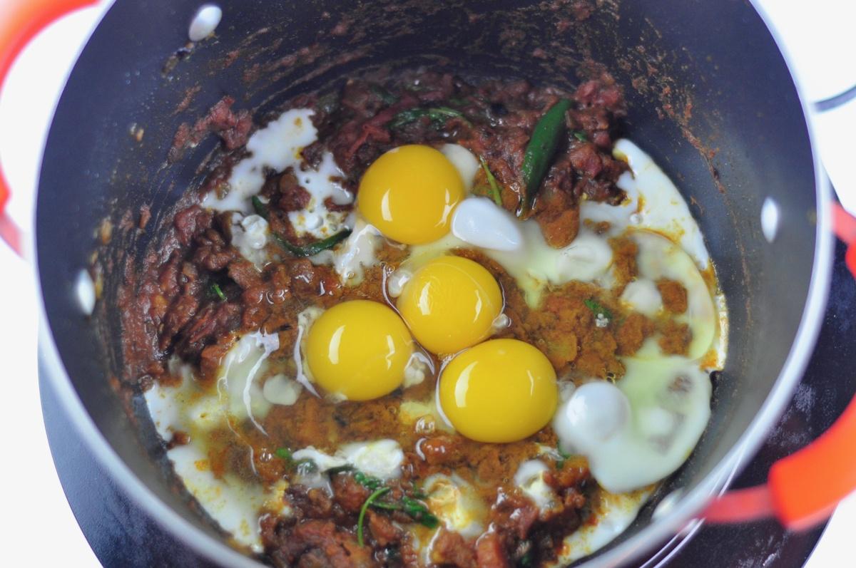 Scrambled egg biryani