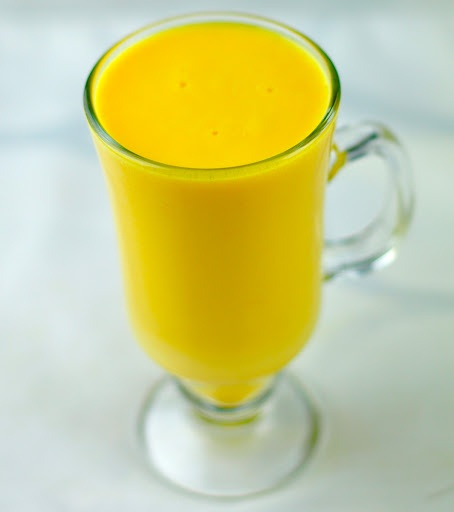 MANGO MILKSHAKE – SWEET AND DELICIOUS DRINK