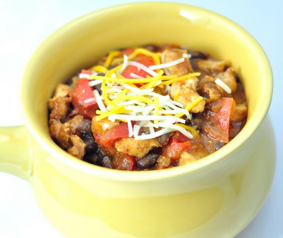 CHICKEN CHILI RECIPE WITH BLACK BEANS IN 30 MINUTES.