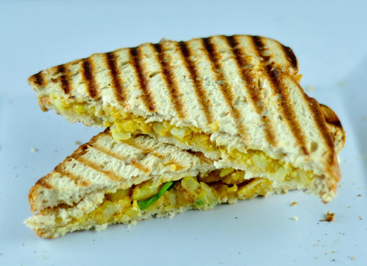 Aloo Masala Sandwich