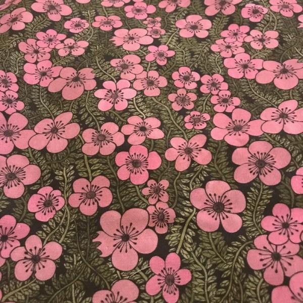 Metervara Twiny Flowers Syrén