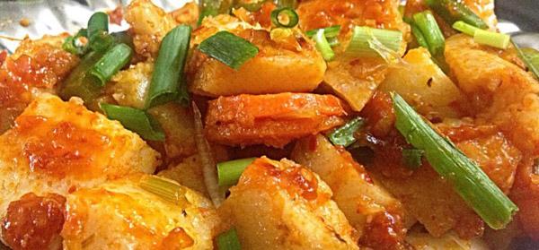 Idli, Carrot and Capsicum in Schezwan Sauce