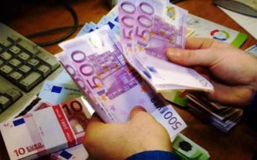500euro_bills_web-thumb-large-7-14c96