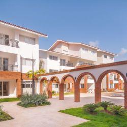 Coral Village (2) arco