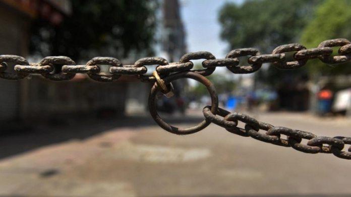 कोरोनावायरस लॉकडाउन 4.0 दिशानिर्देश और नियम: 16 मई को गाजियाबाद में एमिगेंट कार्यकर्ता ने फोटो खिंचवाई