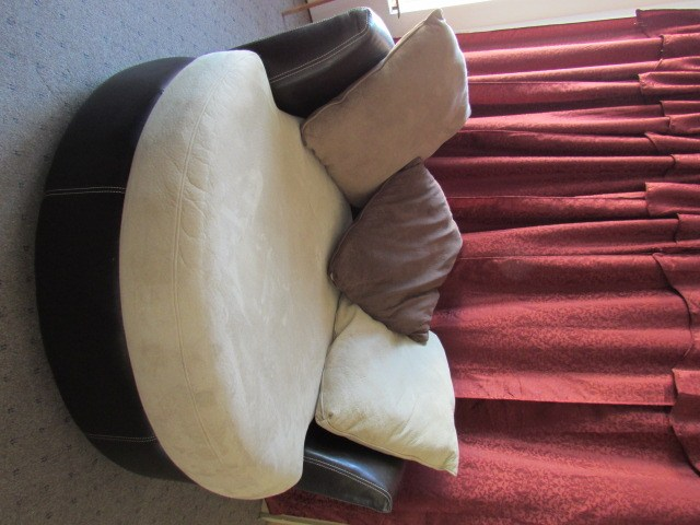 swivel pod chair ford flex rear captains chairs lot detail the coolest ever large round