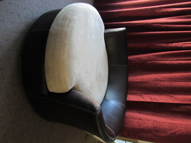swivel pod chair cool desk chairs for teenagers lot detail the coolest ever large round