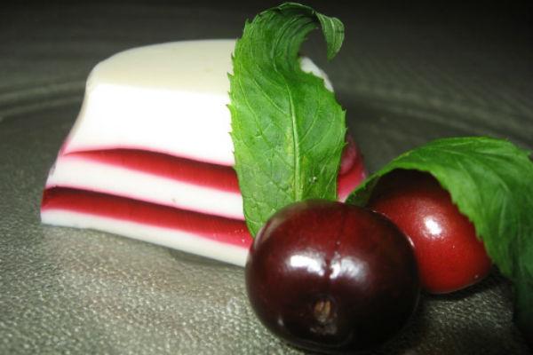 Молочно-вишневое желе низкокалорийное