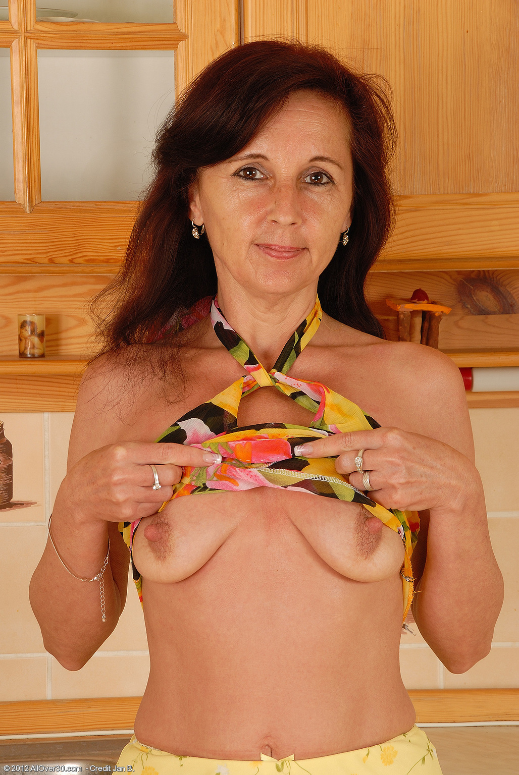 Jenny H Kitchen Housewife at AllOver30 Free