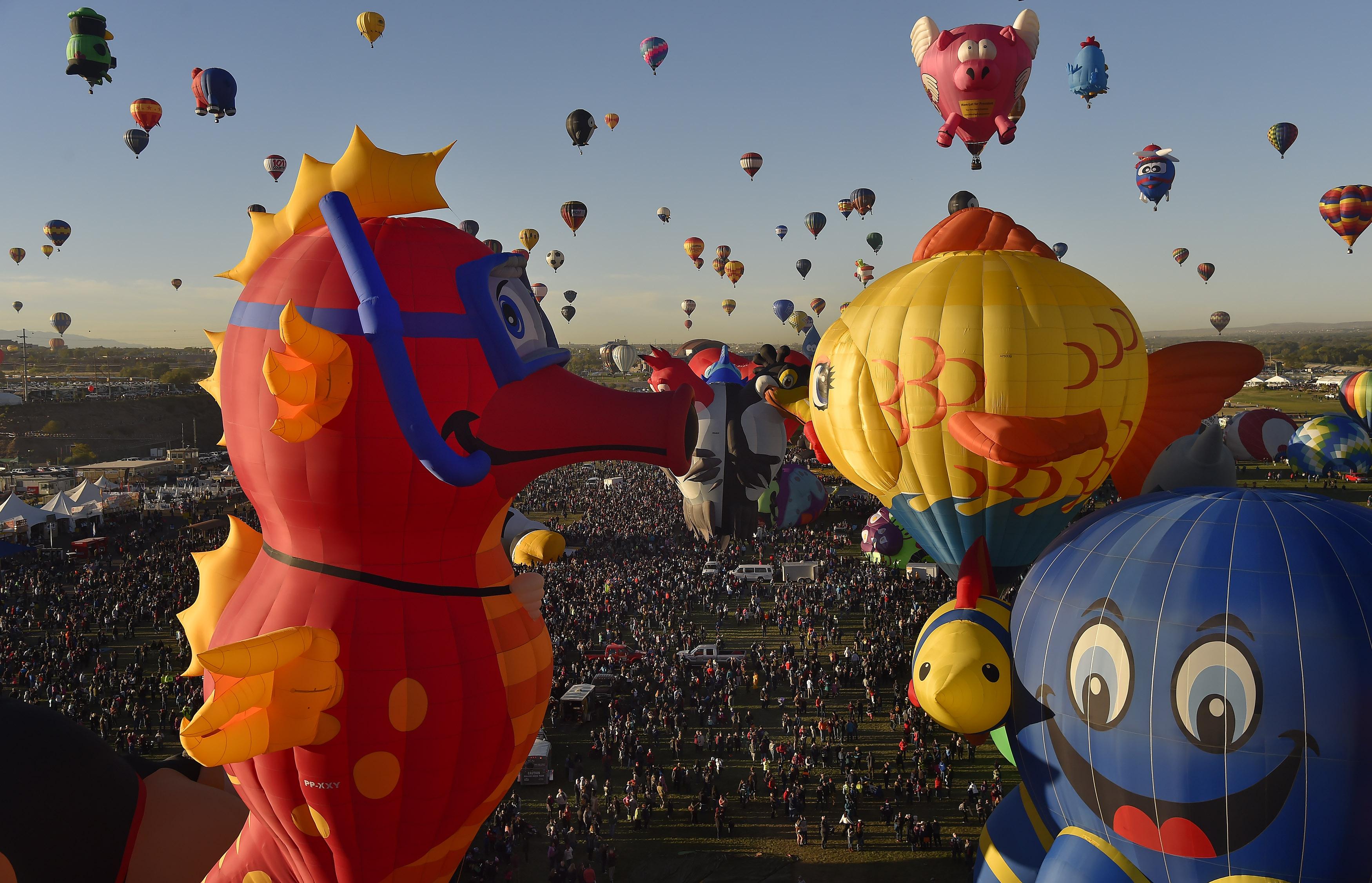hundreds of thousands celebrate