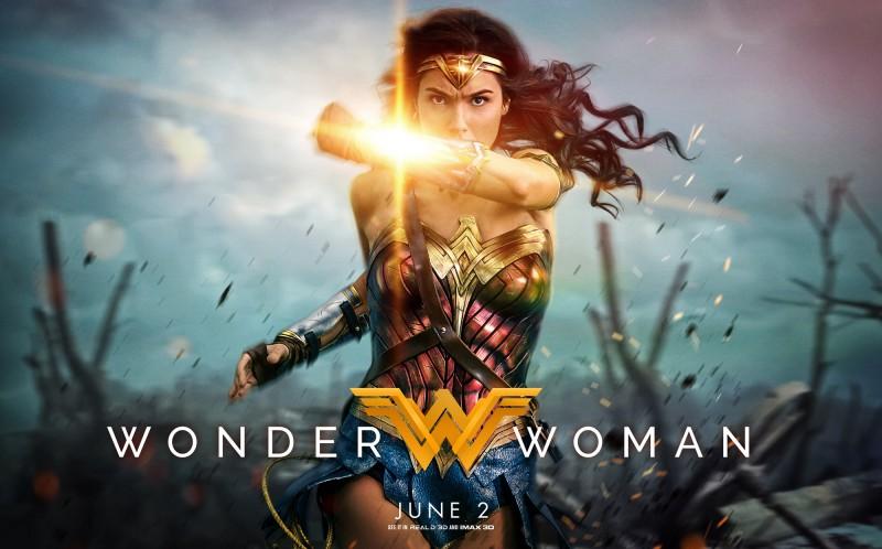 REVIEW WONDER WOMAN : MENGANGKAT SUPERHERO DARI KALANGAN WANITA