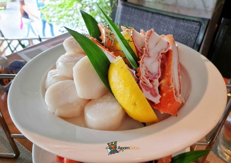 Sunday Brunch : Feast, Royal Orchid Sheraton Bangkok - Alaskan King Crab Legs & Scallops