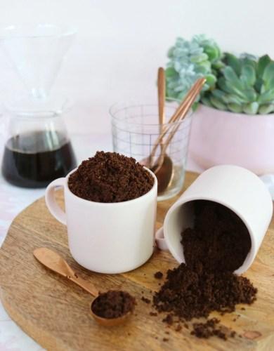 Réduisez l'effet peau d'orange avec ce Gommage au Café Fait Maison (Reduce Cellulite with this DIY Coffee Body Scrub)