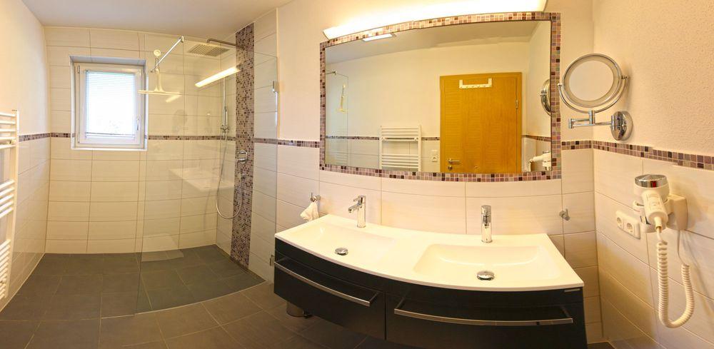 Badezimmer Mit Doppelwaschbecken ferienwohnung altstadt haus am meer wohnung 3 memmert borkum