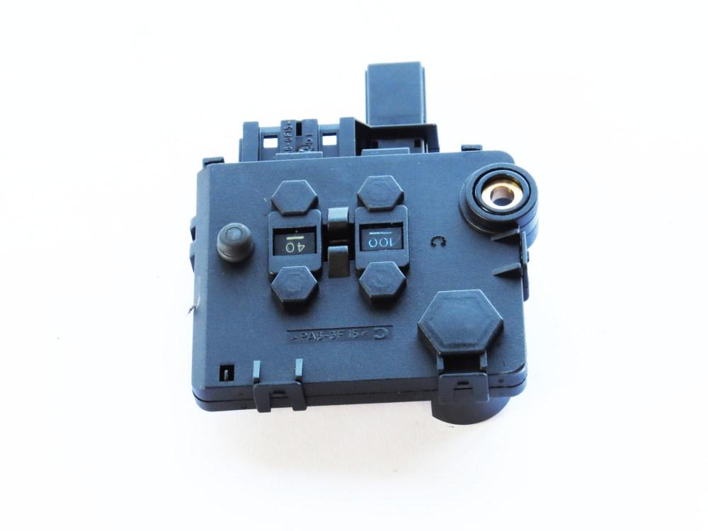 medium resolution of 2000 mercede s500 rear fuse box