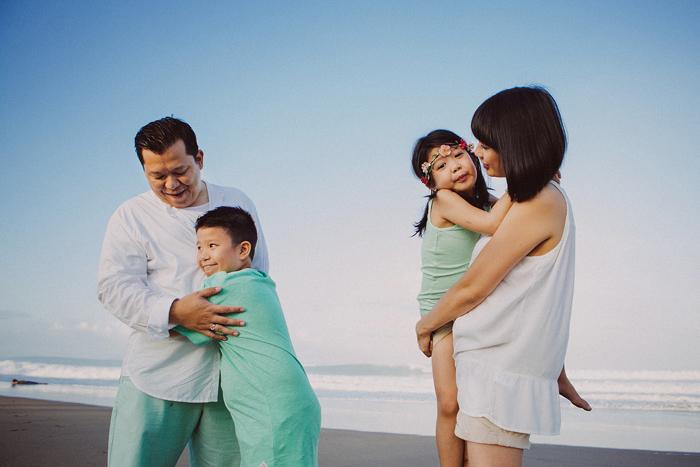 Familyphotography - familyportrait - baliphotography - baliphotographers - familyphoto (2)