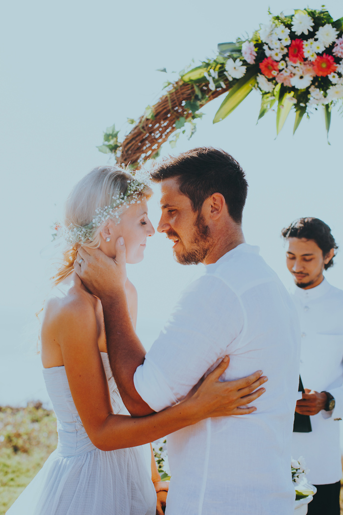 Apelphotography-NewKutaGolfWedding-Baliwedding-Bestweddingphotographers-Pandeheryana-BaliBeachWedding (35)