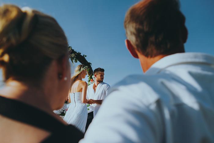 Apelphotography-NewKutaGolfWedding-Baliwedding-Bestweddingphotographers-Pandeheryana-BaliBeachWedding (37)