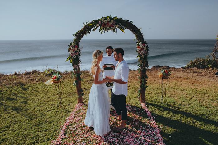 Apelphotography-NewKutaGolfWedding-Baliwedding-Bestweddingphotographers-Pandeheryana-BaliBeachWedding (38)