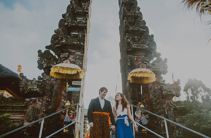 lombokweddingphotography-baliweddingphotography-topbaliphotographers-engagement-postwedding-photographersinbali-baliweddingphoto-photography-apelphotography-pandeheryana_24