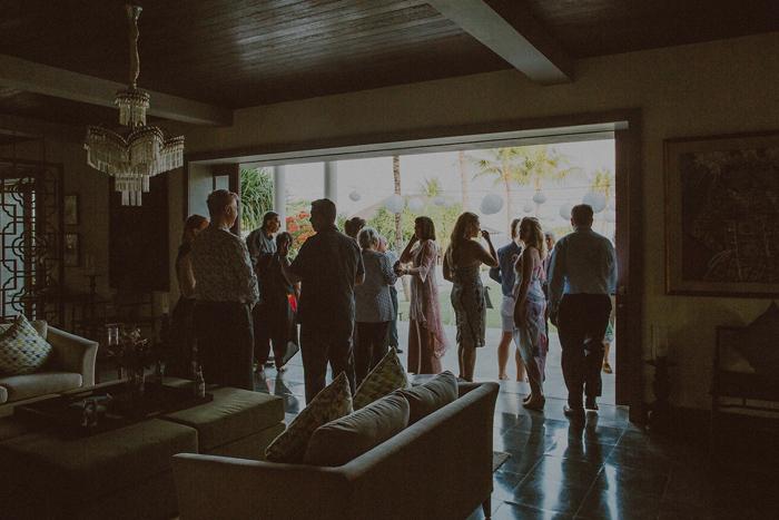 Pandeheryana_baliweddingphotography-baliwedding-photographersinbali-weddingatJeevaSaba-lombokweddingphoto-lembonganweddingphoto-nusapenida-bestweddingphotographers_31