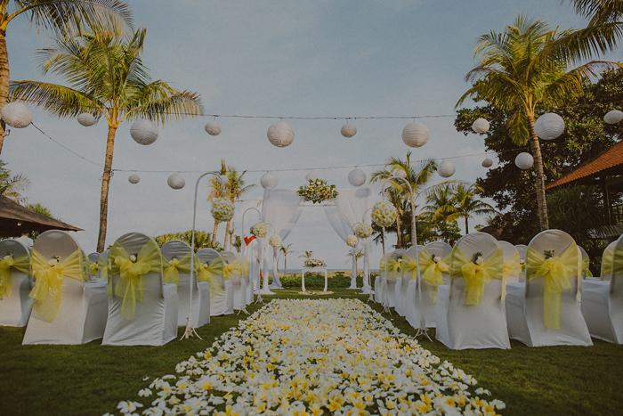 Pandeheryana_baliweddingphotography-baliwedding-photographersinbali-weddingatJeevaSaba-lombokweddingphoto-lembonganweddingphoto-nusapenida-bestweddingphotographers_34