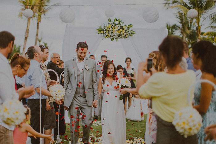 Pandeheryana_baliweddingphotography-baliwedding-photographersinbali-weddingatJeevaSaba-lombokweddingphoto-lembonganweddingphoto-nusapenida-bestweddingphotographers_60