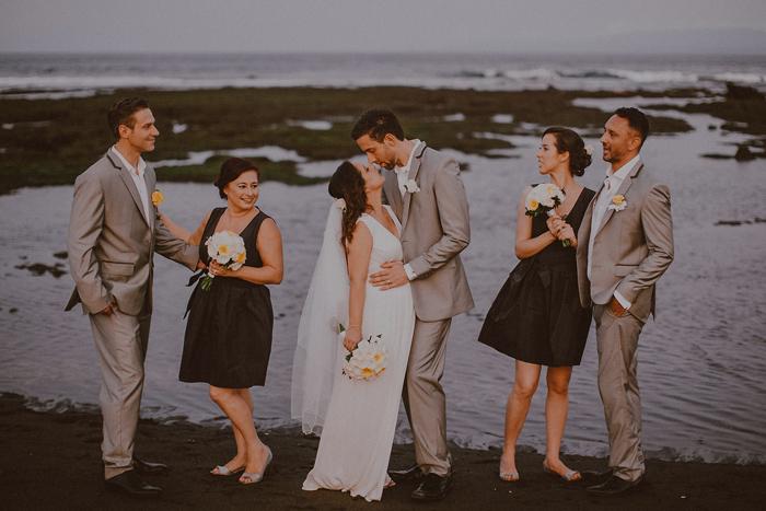 Pandeheryana_baliweddingphotography-baliwedding-photographersinbali-weddingatJeevaSaba-lombokweddingphoto-lembonganweddingphoto-nusapenida-bestweddingphotographers_93