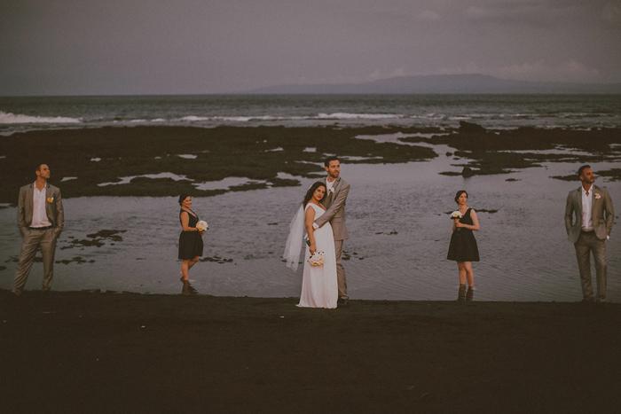 Pandeheryana_baliweddingphotography-baliwedding-photographersinbali-weddingatJeevaSaba-lombokweddingphoto-lembonganweddingphoto-nusapenida-bestweddingphotographers_94