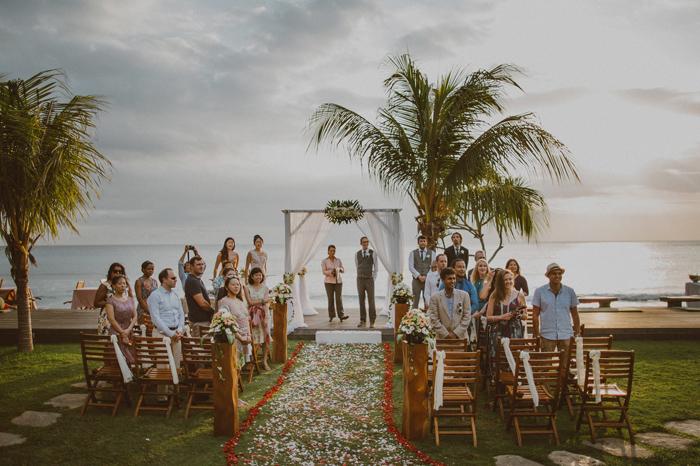 apelphotography-QunciPoolVillaWedding-Lombokweddingphotography-sengigilombok-baliwedding-pandeheryana-lombokphotos-lembonganwedding-bestweddingphoto-photographers_70