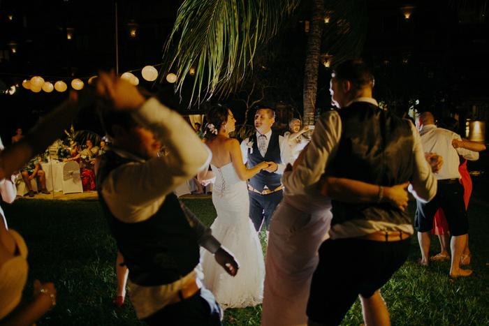 apelphotography-astonbaliwedding-weddingphotographers-baliweddingphotography-destinationwedding-lembonganwedding-lombokweddingphoto-bestweddingphotographersinbali-pandeheryana_106