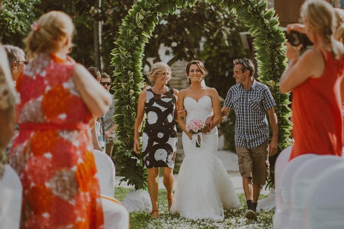 apelphotography-astonbaliwedding-weddingphotographers-baliweddingphotography-destinationwedding-lembonganwedding-lombokweddingphoto-bestweddingphotographersinbali-pandeheryana_43