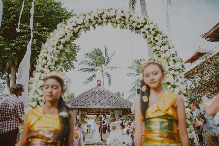 apelphotography-astonbaliwedding-weddingphotographers-baliweddingphotography-destinationwedding-lembonganwedding-lombokweddingphoto-bestweddingphotographersinbali-pandeheryana_60_