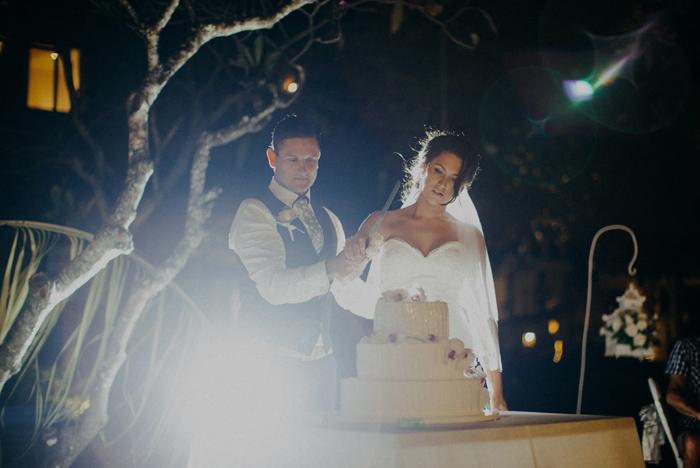 apelphotography-astonbaliwedding-weddingphotographers-baliweddingphotography-destinationwedding-lembonganwedding-lombokweddingphoto-bestweddingphotographersinbali-pandeheryana_99