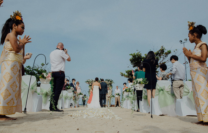 baliweddingphotography-kayumanisnusaduawedding-apelphotography-lembonganwedding-lombokweddingphotography-pandeheryana-bestweddingphotographers_66