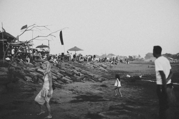 Baliweddingphotographers-arikavillaweddingcanggu-baliwedding-pandeheryana-destinationwedding-39