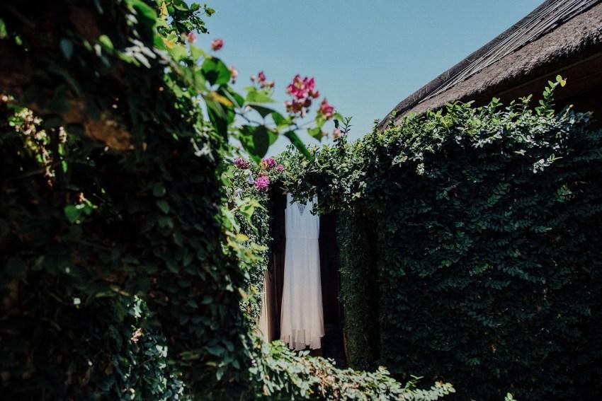 ApelPhotographyh-baliweddingphotographers-uluwatusurfvillaswedding-pandeheryana-bestweddingphotograhpers-baliphotography-nanouandguiwedding-lombokweddingphotography-16