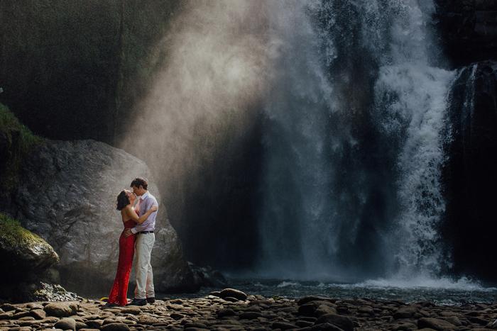 baliweddingphotographers-pandeheryana-bestbaliphotographers-weddinginbali-preweddinginbali-engagementphotography-vscofilmpreset-lombokweddingphotography_101