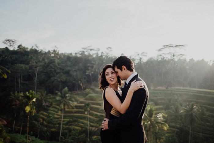 baliweddingphotographers-pandeheryana-bestbaliphotographers-weddinginbali-preweddinginbali-engagementphotography-vscofilmpreset-lombokweddingphotography_19