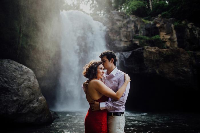 baliweddingphotographers-pandeheryana-bestbaliphotographers-weddinginbali-preweddinginbali-engagementphotography-vscofilmpreset-lombokweddingphotography_82