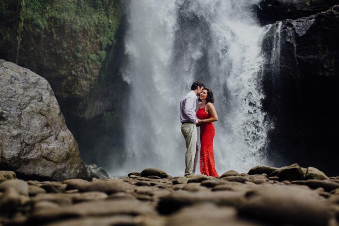 baliweddingphotographers-pandeheryana-bestbaliphotographers-weddinginbali-preweddinginbali-engagementphotography-vscofilmpreset-lombokweddingphotography_92