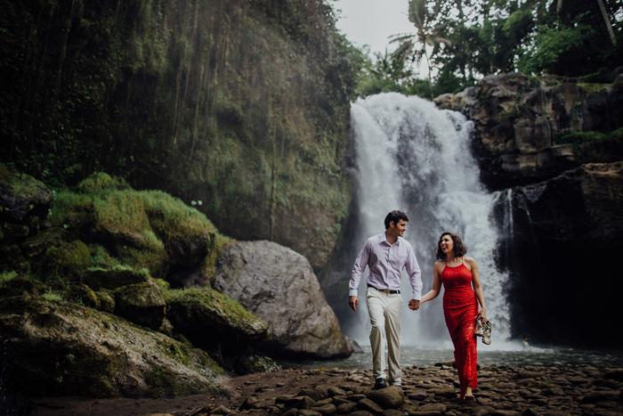 baliweddingphotographers-pandeheryana-bestbaliphotographers-weddinginbali-preweddinginbali-engagementphotography-vscofilmpreset-lombokweddingphotography_93