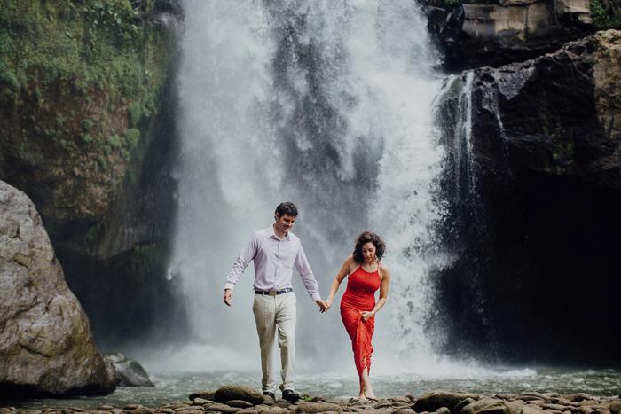 baliweddingphotographers-pandeheryana-bestbaliphotographers-weddinginbali-preweddinginbali-engagementphotography-vscofilmpreset-lombokweddingphotography_94