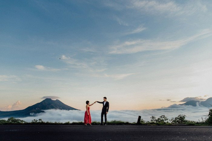 baliweddingphotography-balibasedweddingphotographers-apelphotography-pandeheryana-baturmountprewedding-bestweddingphotographers-17