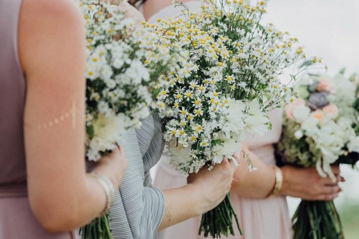 baliphotography-baliweddingphotographers-uluwatusurfvillawedding-lembonganwedding-lombokweddingphotography-pandeheryana_44