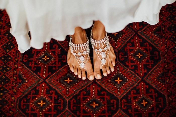 baliphotography-baliweddingphotographers-uluwatusurfvillawedding-lembonganwedding-lombokweddingphotography-pandeheryana_5