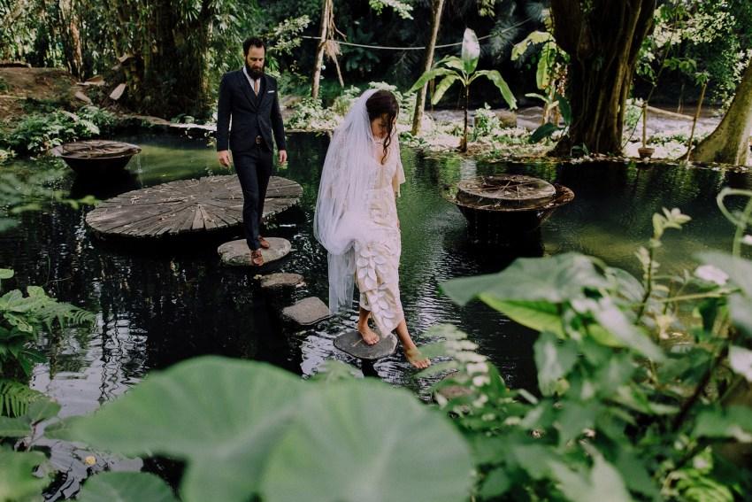 baliweddingphotographers-bambuindahresortubud-weddinginbali-weddingphotography-pandeheryana-bestweddingphotography-lombokweddingphoto-lembonganwedding-topweddingphotographersinbali-3
