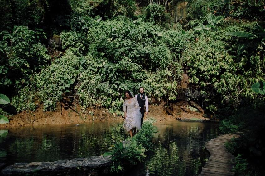 baliweddingphotographers-bambuindahresortubud-weddinginbali-weddingphotography-pandeheryana-bestweddingphotography-lombokweddingphoto-lembonganwedding-topweddingphotographersinbali-34
