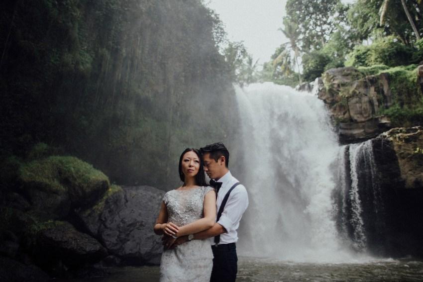 baliweddingphotographers-lembonganislandwedding-lombokweddingphotographers-pandeheryana-engagement-postweddinginbali-baliphotographers-20